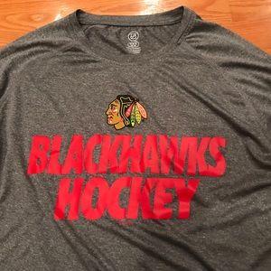 NHL Chicago Blackhawks Long Sleeve Shirt. Medium
